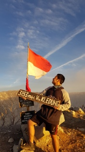 summit kledung